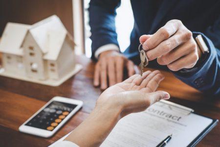 Trouver un bien immobilier grâce à une agence immobilière